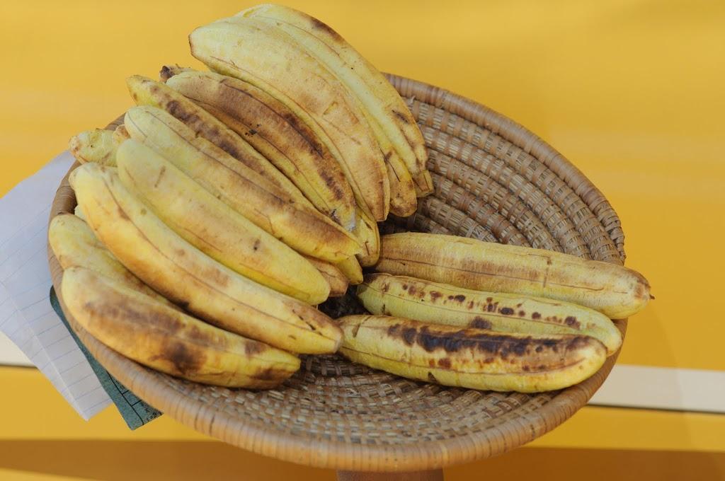смажені печені жарені банани