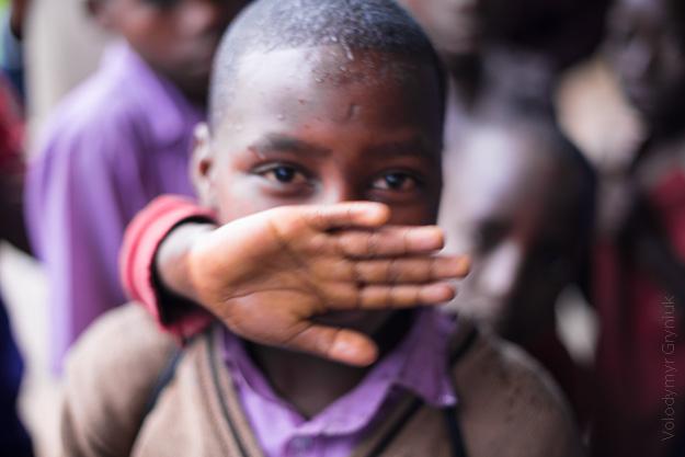 Африка Уганда діти
