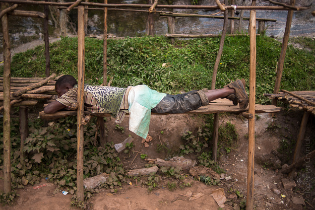 Африка Уганда люди