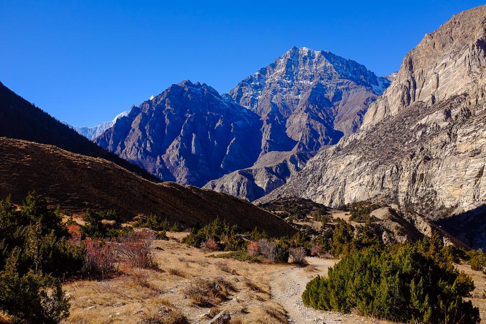 Трекінг в долині Наар — Пху